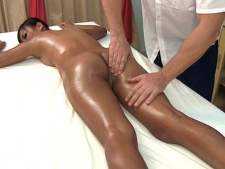 Kanika luvs grease massage